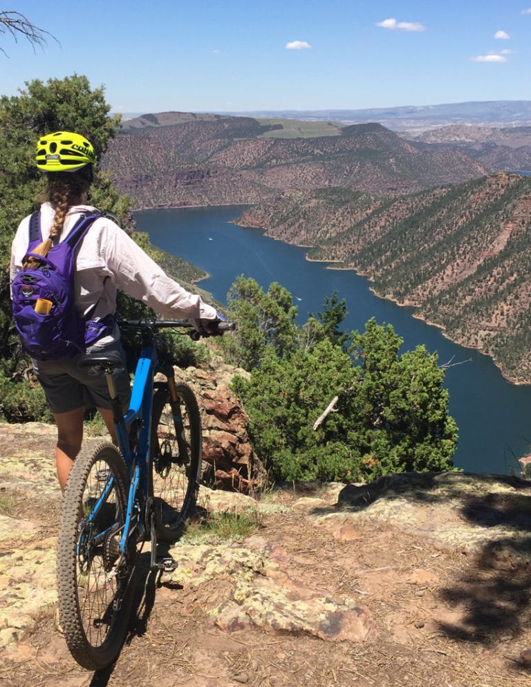 Mtn Bike overlooking Flaming Gorge